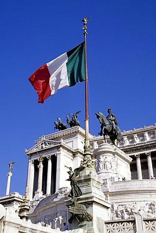 Vittoriano with Italian flag, memorial to Vittorio Emanuele II, Altare della Patria, imperial memorial, Via del Teatro di Marcello, Rome, Italy, Europe