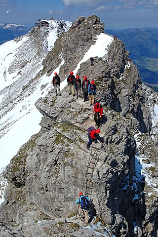 Rock climbers on Hindelanger climbing route, Oberstdorf, Allgaeu, Bavaria, Germany, Europe