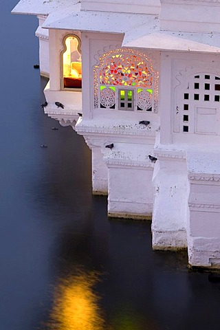 Side wing with view into a suite of the Lake Palace Hotel, Lake Piccola, Udaipur, Rajasthan, North India, Asia
