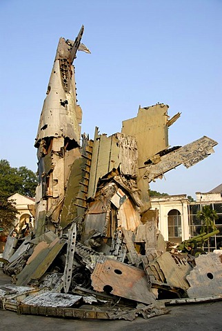 Smashed American combat aircraft as a memorial to the Vietnam War, Vietnam Military History Museum, Hanoi, Vietnam, Asia