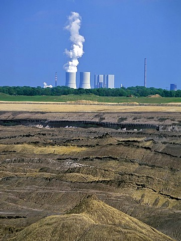 Open-cut mining near Zwenkau, cooling towers of the Lippendorf Power Station near Leipzig, Saxony, Germany, Europe