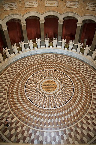 Victory goddesses from Ludwig Schwanthaler in the Befreiungshalle, Hall of Liberation, near Kelheim, Lower Bavaria, Bavaria, Germany, Europe