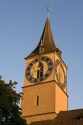 Tower of St. Peter's Church whose tower clock face is the highest in all Europe at 8.7m, Zurich, Switzerland, Europe