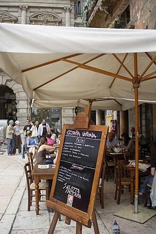 Street cafe, open air restaurant, Piazza del Erbe, menu black board, Verona, Veneto, Italy, Europe