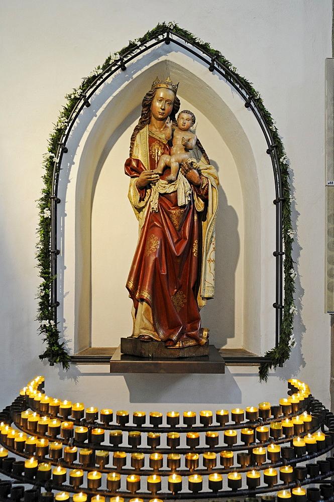 Virgin Mary statue, Madonna, Propsteikirche Church, Dortmund, North Rhine-Westphalia, Germany, Europe