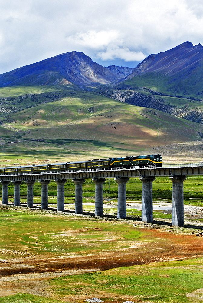 Railroad line from Damxung to Namtsho lake, Tibet, Asia