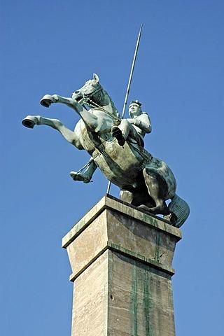 War monument, Rhine promenade, Duesseldorf, North Rhine-Westphalia, Germany