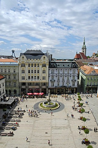 Main square, Hlavne namestie with Roland Fountain, Bratislava, Slovakia