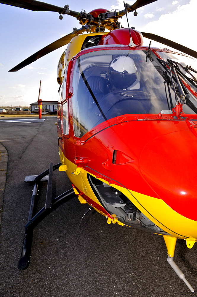Eurocopter Medicopter BK 117, front view