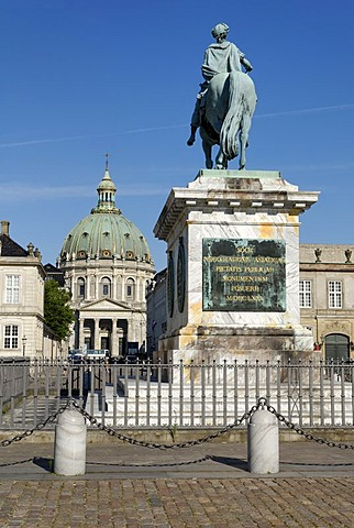 Monument for King Christian, Frederik's Church, Marmorkirken, Amalienborg, Copenhagen, Denmark, Scandinavia, Europe