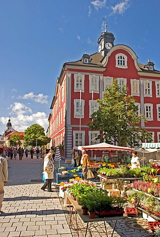 BRD Germany Thuringen Freestate Thuringen Suhl Centre for Hunting and Sporting Arms Landmark of the City the Memorial of the Armorer Market Place with City Hall and Weekly Market with People are Shopping Vegetables and Flowers nice Place with green Trees