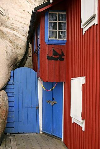 Old fishermans house in the harbour of Smoegen in Sweden - Smoegenbryggan, Smoegen near by Kungshamn, Bohuslaen, Vaestra Goetalands, Vaestergotland, Skagerrak, Sweden, Skandinavia, Europa