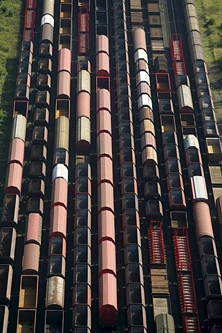 DEU, Germany, Cologne : Railway tracks, Freighttrains  