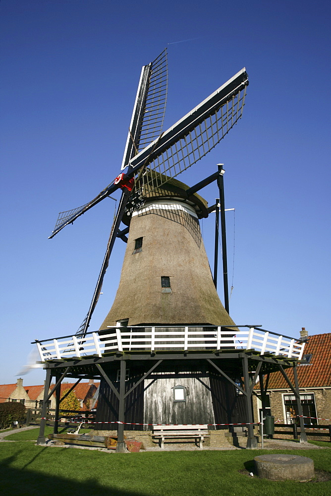Windmill, Sloten, Slotermeer, Friesland, The Netherlands, Europe