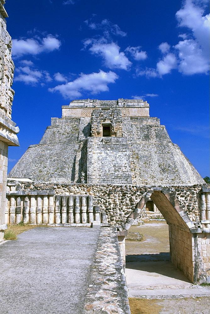 Maya temple, Uxmal, Yucatan, Mexico