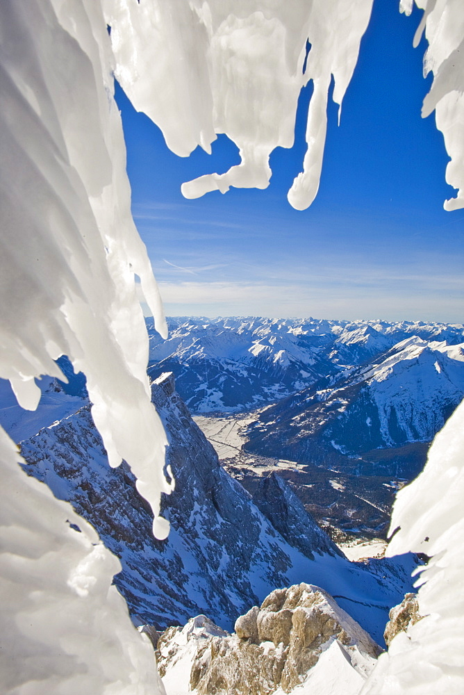 Mountain landscape, icy temperatures on Mt. Zugspitze, Alps, Germany, Europe - 832-330294