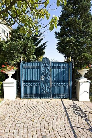 Side gate of Johannisberg Castle, winery, Rheingau (Rhine District), Hesse, Germany