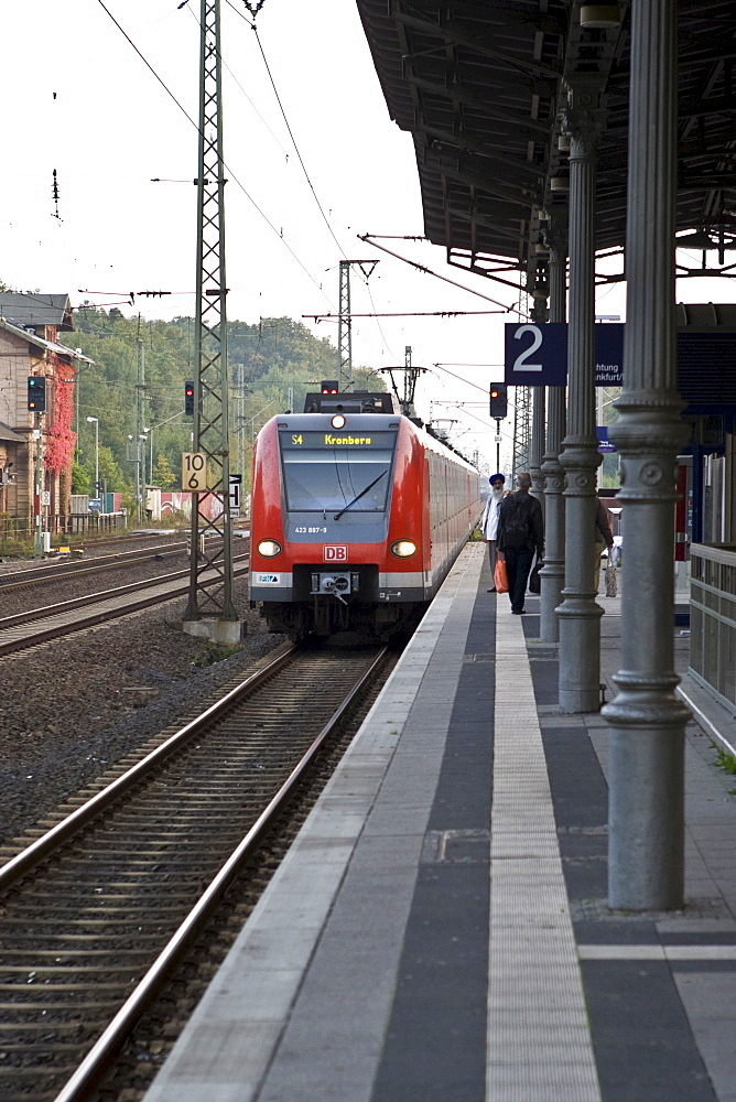 Platform with driving train, Hesse, Germany