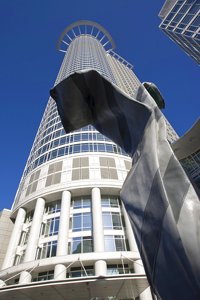 Building of the German Central Bank with tie sculpture in front of the entrance, Frankfurt, Hesse, Germany, Europe