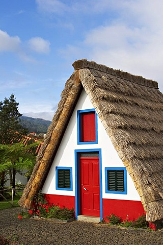 Casa de Colmo in Santana - Traditional Madeira styled thatched house - Madeira