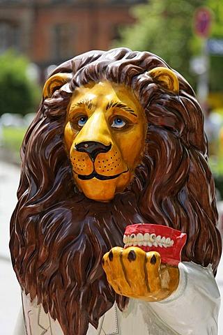 Munich , lions parade 2006 lion Denty von Ludwig Breugl , Bavaria Germany