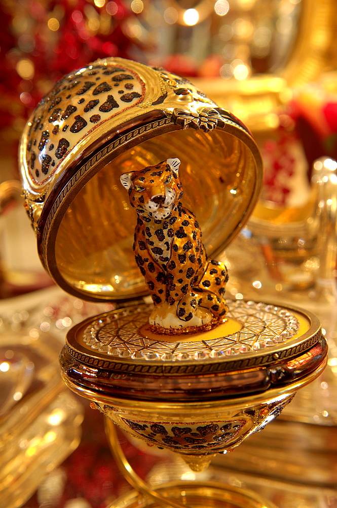 Leopard figurine, decoration