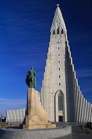 Halgrims church and Leifur Eriksson monument, Reykjavik, Iceland