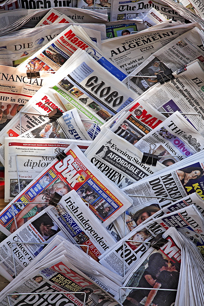 International daily newspapers