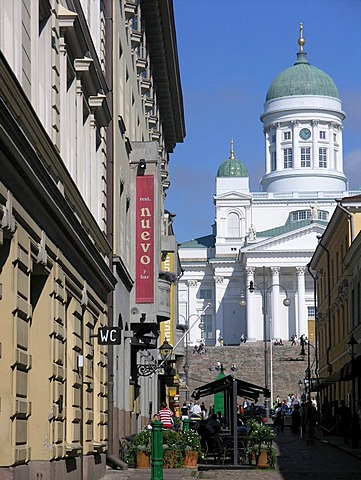 Lane to Tuomiokirkko lutheran kathedral on senate square senatintori city centre of Helsinki Finland