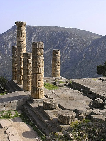 Temple of Apollon, doric columns, Delphi, Greece
