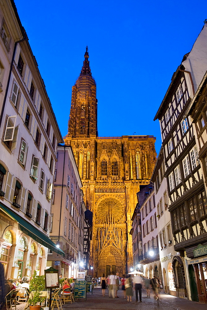 Rue Merciere, Strasbourg Cathedral, Strasbourg, Alsace, France, Europe