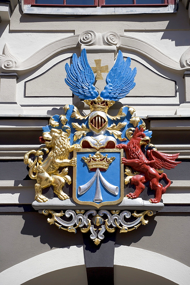 Schwedenwappen, coat of arms, on the Alter Markt Square, Stralsund, Baltic Sea, Mecklenburg-Western Pomerania, Germany, Europe