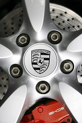 Rim and disc brake of a Porsche Boxter