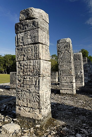 Templo de los Guerreros, temple of the warriors, Maya and Toltek archeological site Chichen Itza, new worldwonder, Yucatan, Mexico
