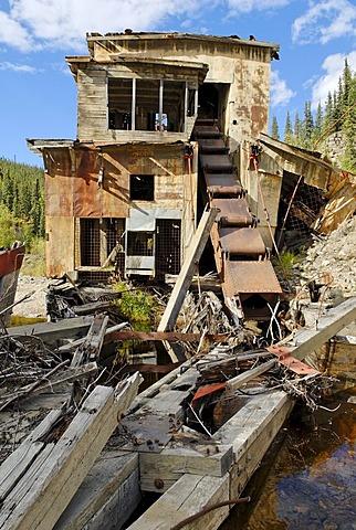 Historic Jack Wade dredge, Taylor Highway, Alaska, USA