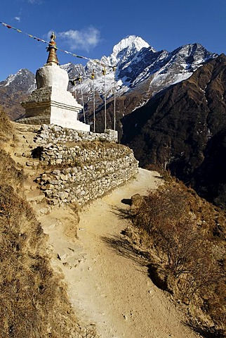 Historic stupa in front of Thamserku (6608), Sagarmatha National Park, Khumbu, Nepal