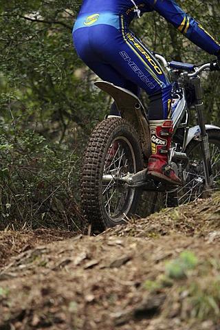 Trial motor-cycling