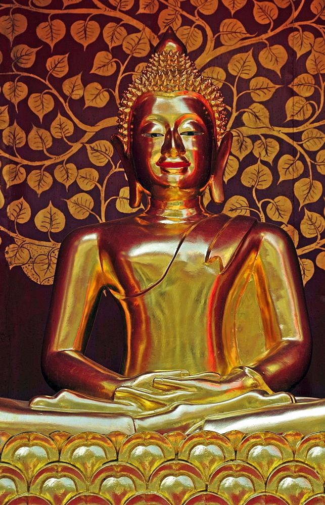 Golden Buddha, Sareerikkatartsirirak Pagoda at Wat Phan On, inaugurated by King Bhumipol on June 9, 2007, Chiang Mai, Thailand, Southeast Asia, Asia