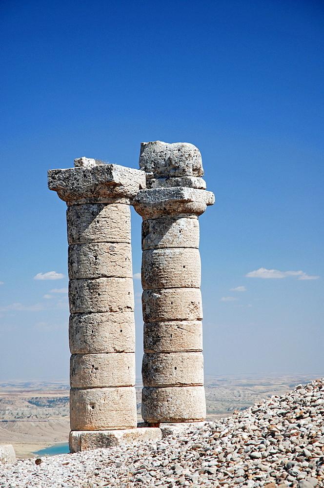 Pillars on Karakus Tumulus Hill, Nemrut region, Anatolia, Turkey, Asia