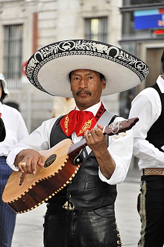 Mexican musician, Puerta del Sol, Madrid, Spain, Europe - 832-368562