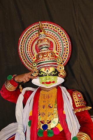 The Kathakali character Naradan, Perattil, Kerala, India, Asia