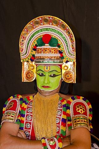 The Kathakali character Ottanthullal, Perattil, Kerala, India, Asia