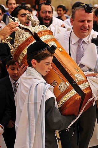 Jewish boy at the bar mitzvah ceremony, Jewish confirmation, in front of the Wailing Wall, Israel, Middle East, Orient