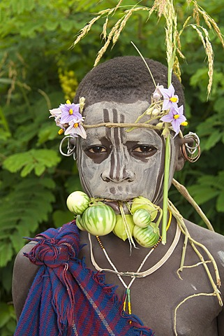 Surma child with facial painting, Tulgit, Omo River Valley, Ethiopia, Africa