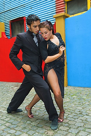Couple of Tango dancers, El Caminito street, La Boca district, Buenos Aires, Argentina, South America - 832-369314