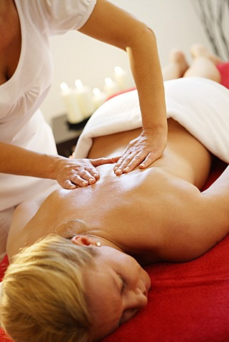 massage for women lang trees