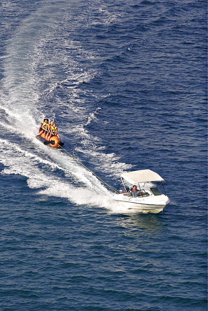Banana drawn by motorboat Port de Sant Miquel - Ibiza