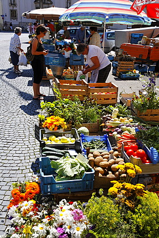Market on Kornmarkt, Regensburg, Upper Palatinate, Bavaria, Germany