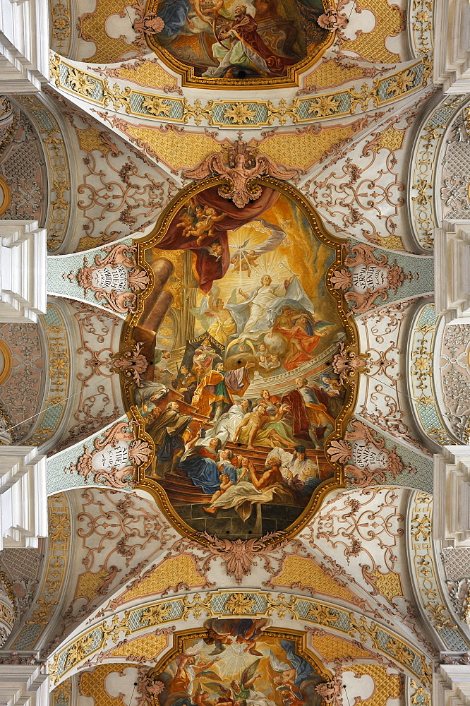 Arched ceiling of Heilig-Geist-Kirche church, one of the oldest churches in Munich, 1724-30 converted into a Baroque-style church, ceiling fresco by the Asam Brothers, Praelat-Miller-Weg street 3, Munich, Bavaria, Germany, Europe