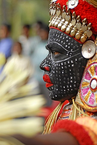 Theyyam performer during a ritual, near Kasargod, North Kerala, South India, Asia